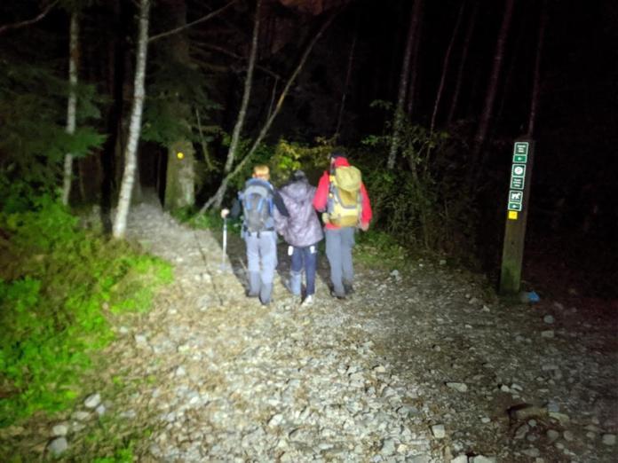 ▲一群人相約登山,卻丟下受傷同伴不顧,被當地搜救隊員砲轟可恥。((圖/翻攝自 North_Shore_Resue 的臉書)