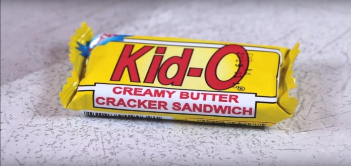 ▲Kid-O 日清三明治餅乾,是不少人喜愛的品牌之一,日前就有網友提問其最好吃的口味而引起網路熱議。(圖/取自 Youtube )