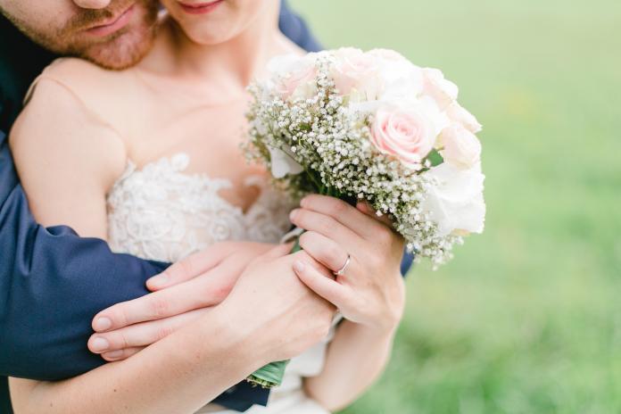 想婚想瘋了? <b>準新郎</b>搶銀行辦婚禮被捕 恐被關到生蝨母