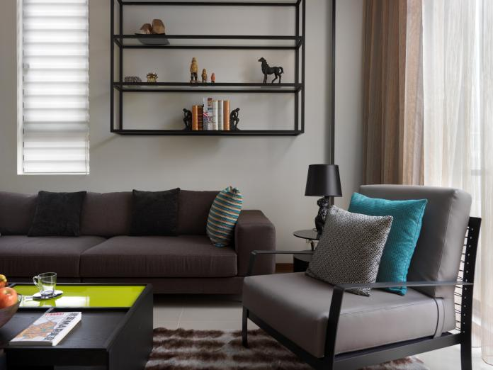 ▲客廳的沙發與茶几間至少留30公分寬通道,動線較為順暢。(圖/安藤國際室內裝修)