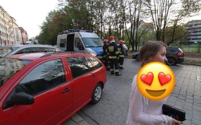 ▲近日在國外曝光一張車禍相片,但網友們卻沒人關心車禍情況,因為在照片的右下角,有一個驚人亮點,讓網友們看了紛紛大呼「一定超過 D 」。(圖/翻攝自《爆廢公社二館》)