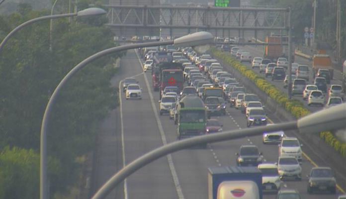 高公局曝明日堵塞5路段 國5上午將實施高乘載管制