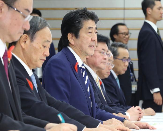 ▲強颱哈吉貝重創日本,首相安倍晉三今天下令成立緊急救災小組。(圖/美聯社/達志影像)