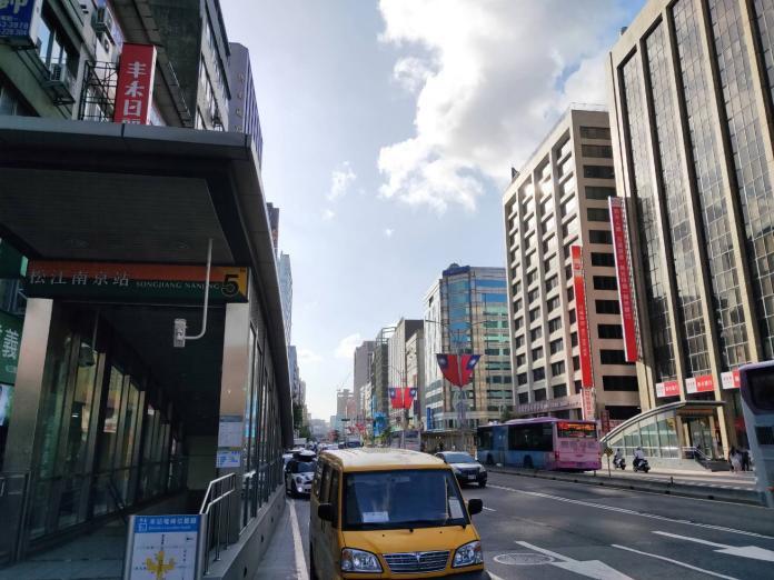 ▲A級商辦租金續創新高,有大面積商辦需求的企業改往較便宜的松江南京商圈等地尋找。(圖/信義房屋提供)