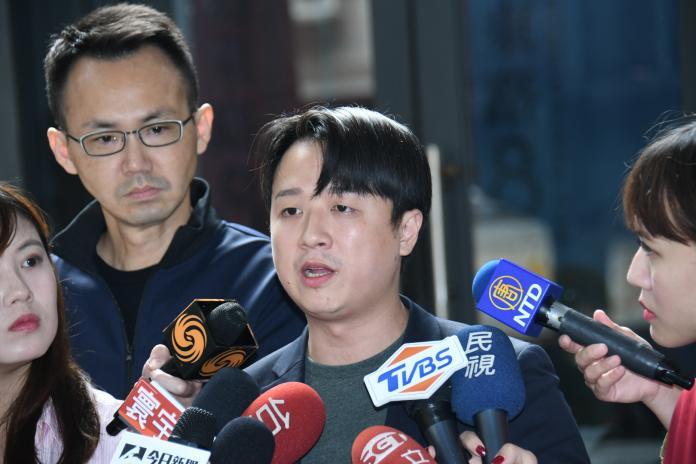 李正皓表示,全黨都被韓粉綁架,連韓國瑜也不例外。 (圖/記者謝調遜攝)