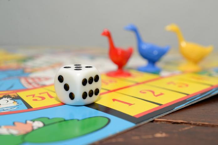 桌遊必玩哪款? 答案「一面倒」:可看出朋友心機程度