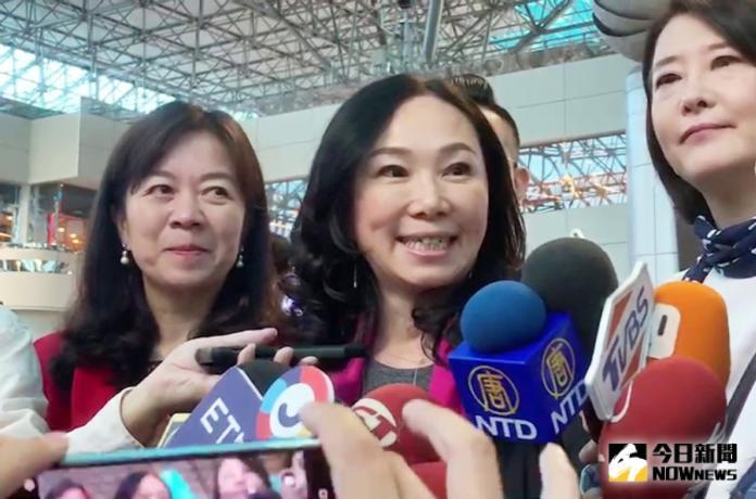 代夫出訪僑胞 李佳芬:中華民國存亡維繫在每位華人身上