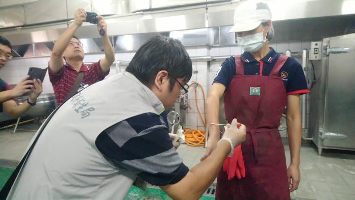 台南新市國中師生疑似<b>食品中毒</b> 236人嘔吐腹瀉