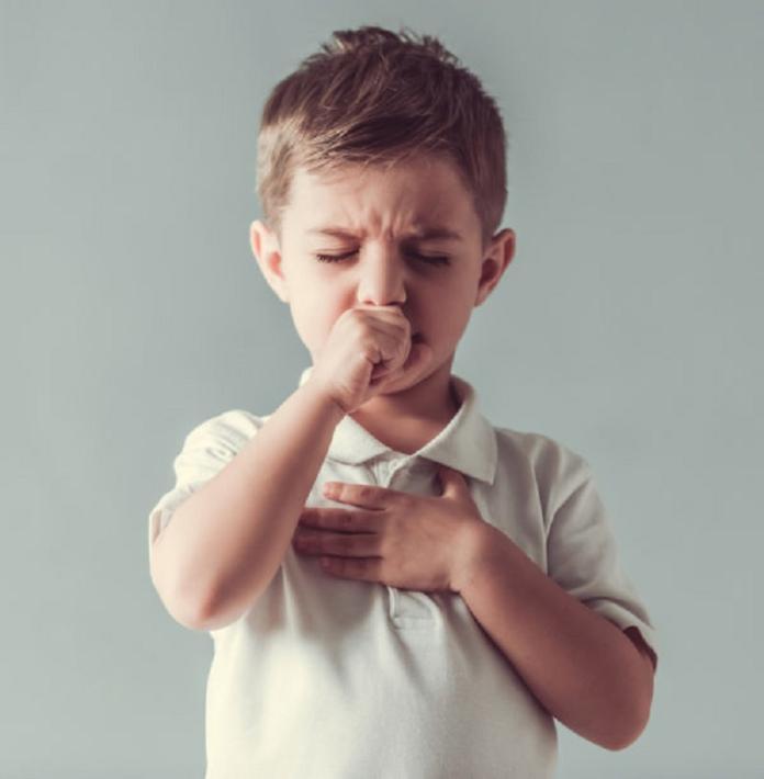孩童咳嗽-shutterstock
