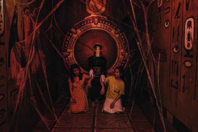 <br> 越南峴港3D藝術博物館(3D ART MUSEUM)特別推出殭屍特展,以中華殭屍為亮點,現場有被封印的殭屍和恐怖的中式氛圍。(圖/3D ART MUSEUM)