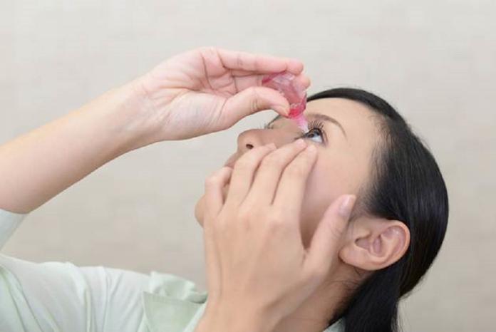 shutterstock 眼藥水