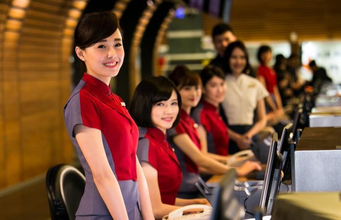 ▲中華航空將招募約 70 名本國籍客艙組員,相關資訊將於 11 月 1 日至 14 日官方網站公布。(圖/中華航空)