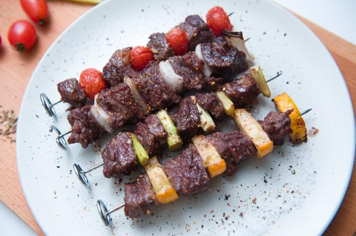 <br> ▲蔬菜牛肉串。(圖/翻攝自 PTT )