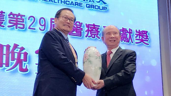 院長級「<b>住院醫生</b>」 義大醫院杜元坤獲個人醫療奉獻獎