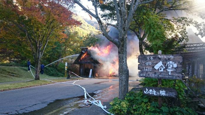 <b>世界遺產</b>又傳失火!日本「合掌村」火警 警消忙救災