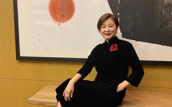 ▲林青霞過65歲生日。(圖/翻攝汪曼玲微博)