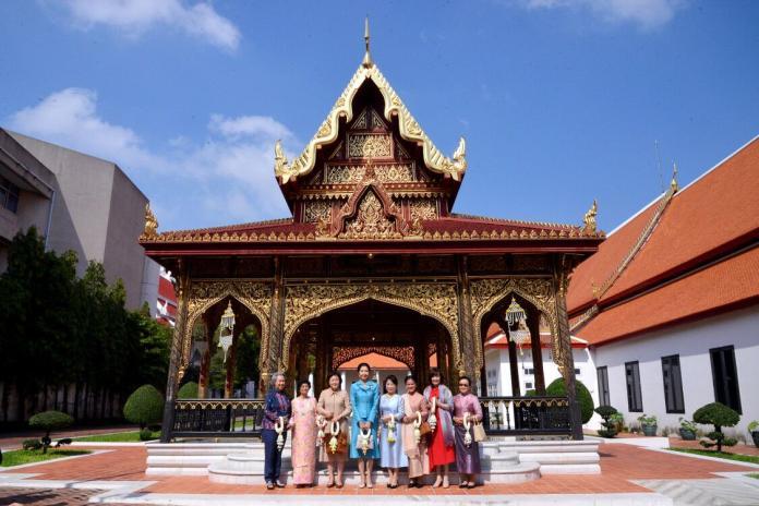 亞洲最貴氣夫人團!八位第一夫人組團遊泰國