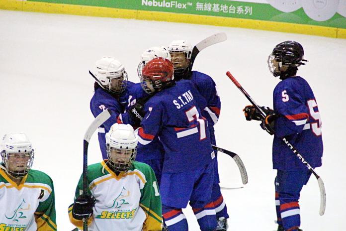 台灣盃女子冰球賽中華隊首日全勝 力克奪冠勁敵澳洲