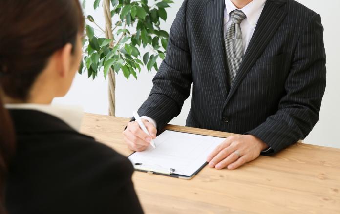 面試被問「現職薪資」可以拒答嗎?過來人曝應對絕招