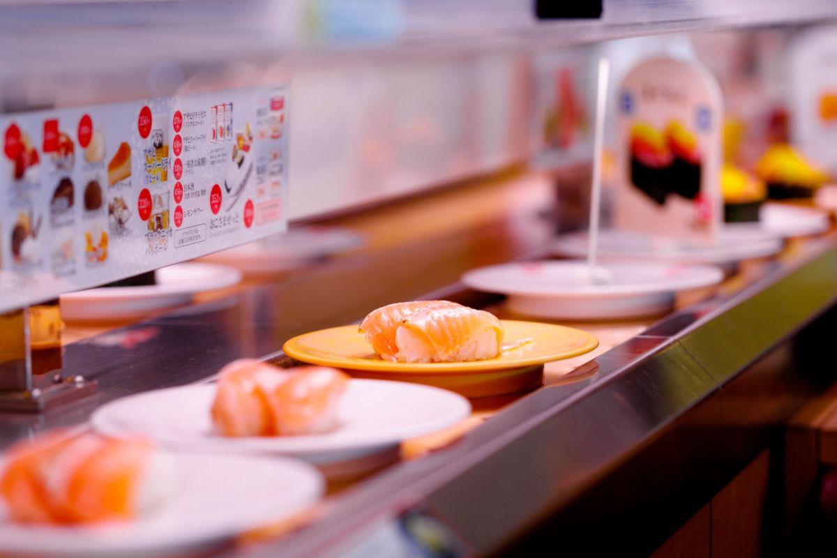 ▲近年來迴轉壽司興起,不少國外品牌進駐台灣。(圖/取自 PhotoAC )