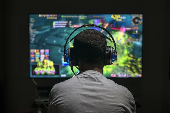 晚上10點以後不准打<b>電動</b>!中國對未成年祭出「電玩宵禁」