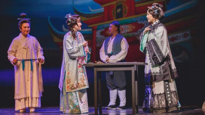 <br> ▲《月夜情愁》可以看歌仔戲、舞台劇、音樂劇、聽北管與南管,是台灣近代舞台演出中首見。(圖/衛武營提供)