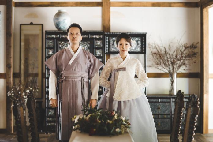 天心甜嫁歐爸老公3年 絕美「韓服婚紗照」曝光