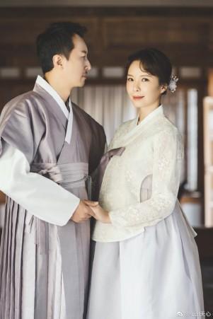<br> ▲天心與韓國老公金英敏感情穩定,結婚3年決定拍婚紗照。(圖/取自天心微博)