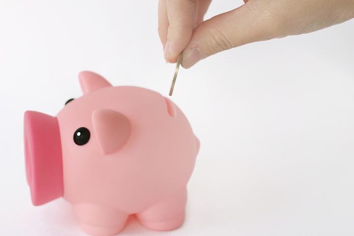 ▲面對薪水不漲、萬物皆漲的現況,許多人的存款也越來越薄。不過就有一位女網友,才23歲就存出人生的「第一桶金」。(示意圖,非當事情境/取自 photoAC )