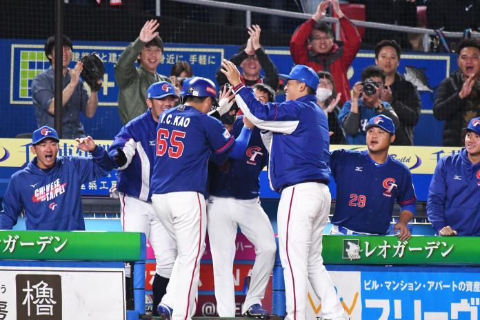 世界棒球12強中華隊在對南韓的比賽,率先得分士氣大振。(圖/記者葉政勳攝)