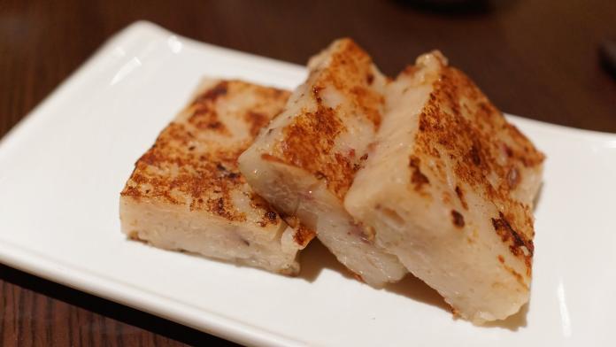 ▲蘿蔔糕是台灣隨處可見的美食,也是過年必備菜色。(示意圖/取自flickr)