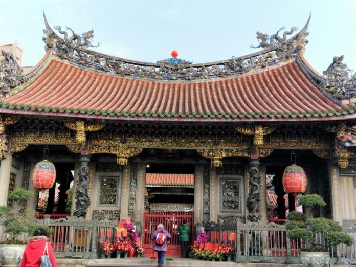 ▲龍山寺經過多次修建,整體結構是完整「回」字形,在傳統寺廟建築中,是一種非常尊貴的佈局。