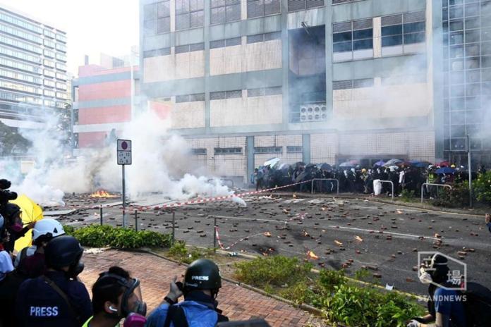 ▲香港衝突加劇,直至 18 日仍未止息。(圖/立場新聞)
