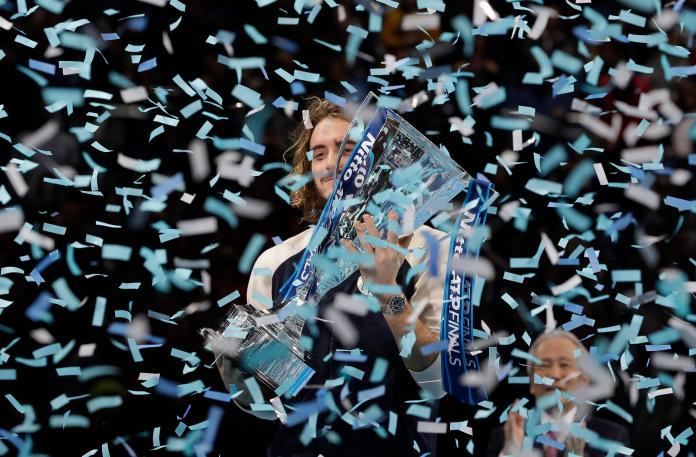 Stefanos Tsitsipas在年終賽奪冠。(圖/美聯社/達志影像)