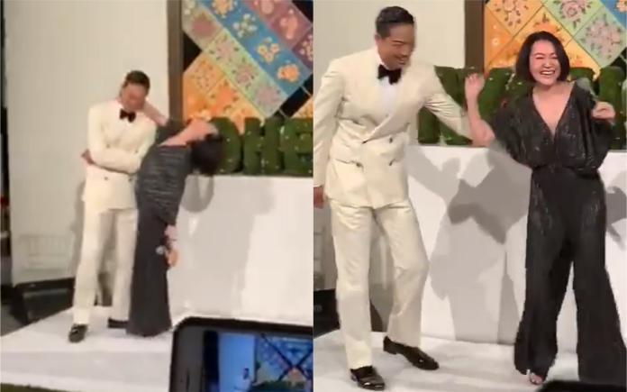 ▲小S和林志玲玩三連拍比美,小S一度扒在AKIRA身上,十分爆笑。(圖/臉書)