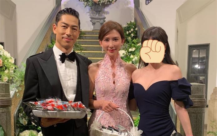 ▲天王妻子參加婚禮的服裝被部分網友砲轟不得體。(圖/IG)