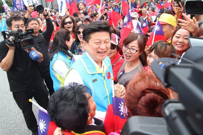 傅崐萁登記參選百人力挺 公開支持韓國瑜