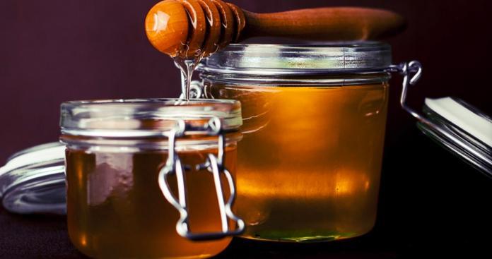 ▲不少人吃蜂蜜都泡水。(示意圖/取自pixabay)