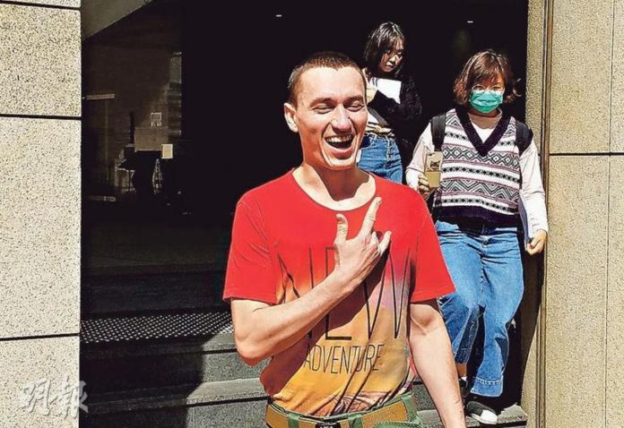 遊香港撿催淚彈殼當「<b>紀念品</b>」吃官司!俄國男:想做水杯