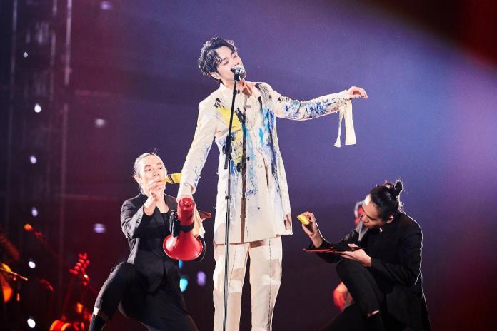 ▲吳青峰在高雄舉辦個人首場大型演唱會。(圖/環球音樂提供)