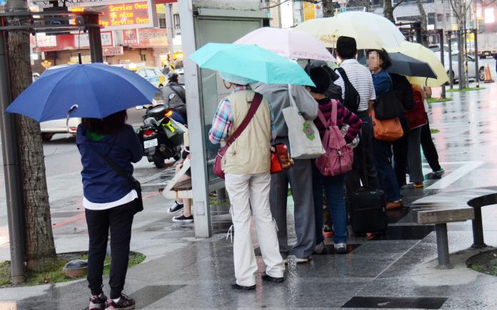 2月罕見生成熱帶低氣壓!氣象局:24小時內有機會成首颱