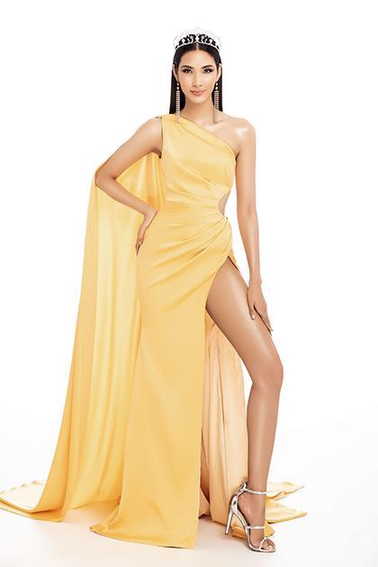 <br> 越南小姐黃垂(Hoàng Thùy),出生於越南貧窮家庭,靠清新脫俗的美貌成為越南超及模特兒新秀大賽第二季冠軍,同時是2019年環球小姐參選佳麗。(圖/翻攝自臉書)