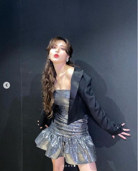 ▲泫雅赴上海參加彩妝品牌的新品發布會。(圖/翻攝 IG)
