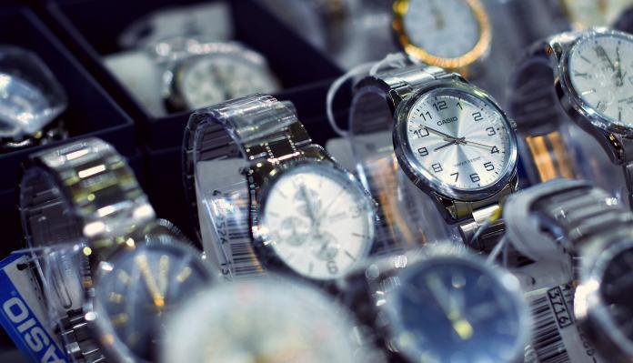中階款手錶哪個好?「耐用老牌」被推爆:家傳兩代還準時