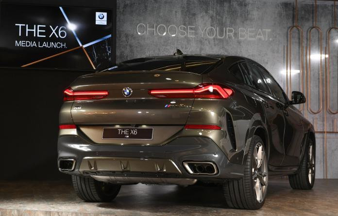 ▲源自BMW 8系列的跑車線條與L型LED尾燈打造完美跑格。(圖/業者提供)