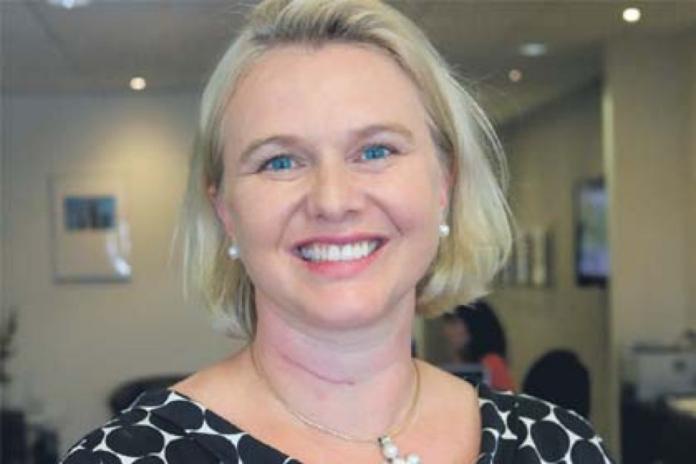 ▲澳洲 1 名 46 歲的女子薇若妮卡, 2017 年因被發現以假履歷取得政府高薪職務而被起訴,近日確定被判刑 25 個月。(圖/翻攝自澳洲 Abc news )