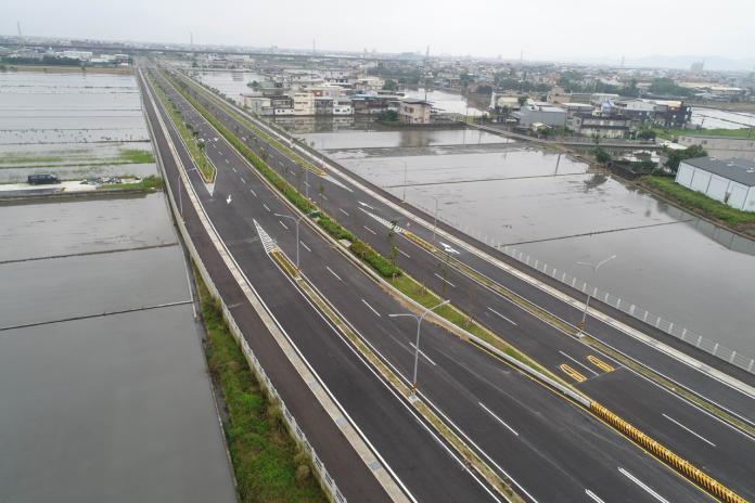 連接國道五號平原線下方191縣道至台九省道的「二結聯絡道」的「都外段」,明(10)日上午10時將開放雙向單線通車