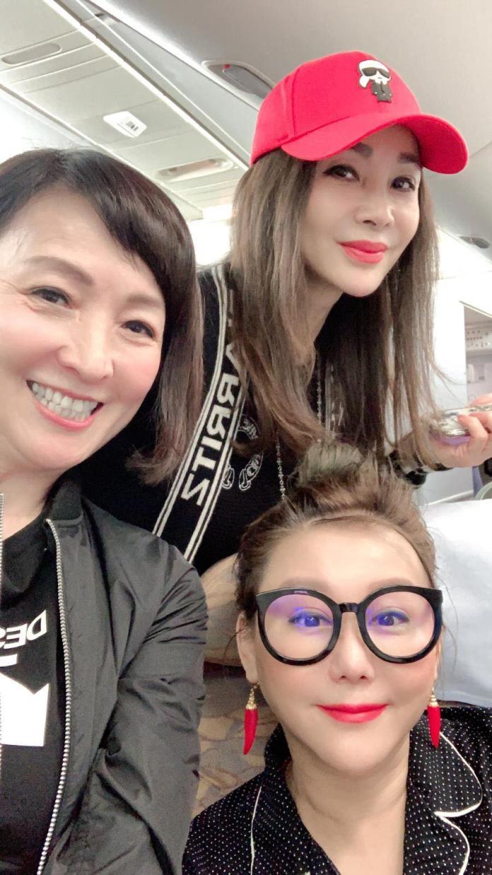 <br> ▲寶媽、藍心湄、陳美鳳一同到泰國度假。(圖/翻攝臉書)
