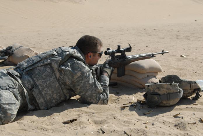▲M14步槍被M16取代後,美軍加裝狙擊鏡、換上高強度槍管成為狙擊槍。(圖/美國陸軍)