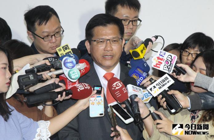 ▲交通部長林佳龍回應遠航停飛事件,認為遠航董事長張綱